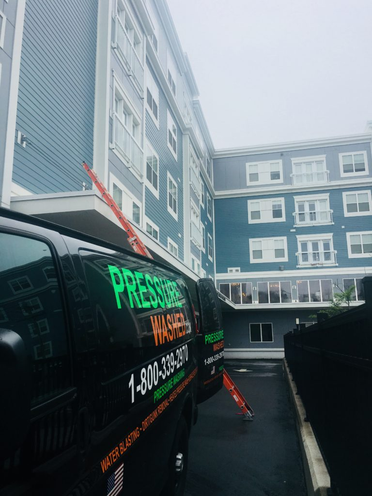 pressure-washed-apartment-and-condos