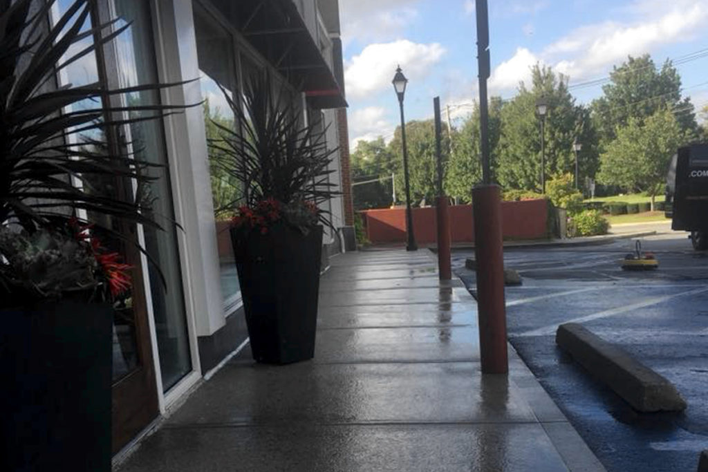 sidewalk-cleaning-pressure-wash-north-andover