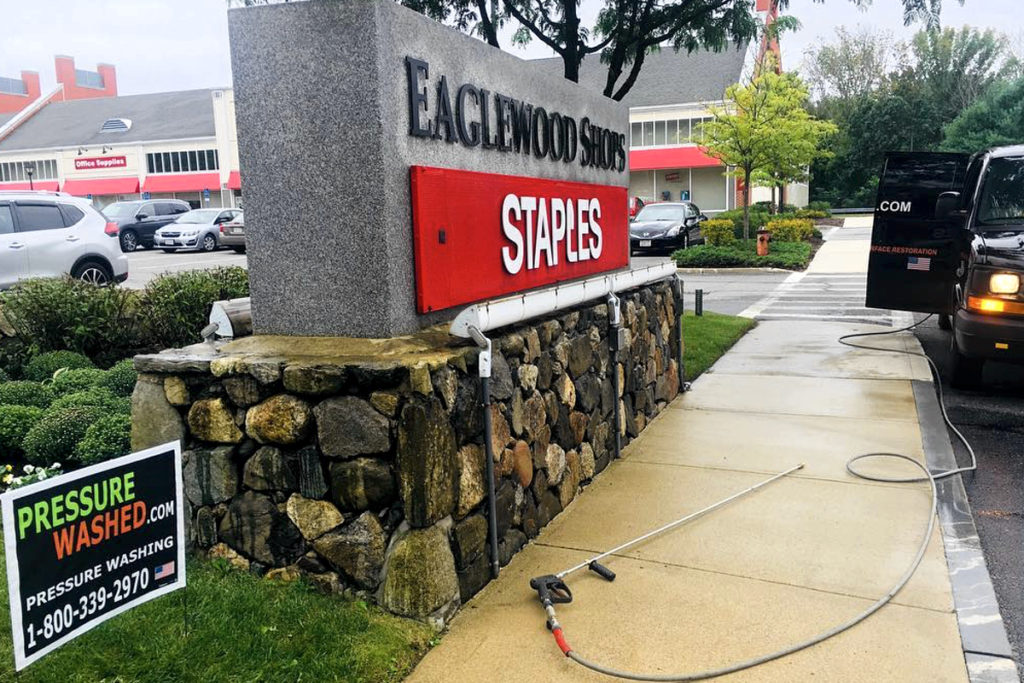 sidewalk-storefront-cleaning-pressure-washed-north-andover